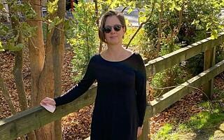 Image: Sarah har brukt samme kjole i 100 dager