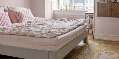 Image: Derfor har Shiri valgt gule, rosa og grønne vegger hjemme