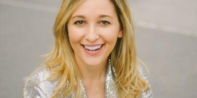 Image: Jen ble permittert - nå tjener hun gode penger på brudepike-utleie