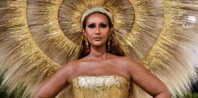 Image: Supermodell Iman (66) overrasket alle på Met-gallaen