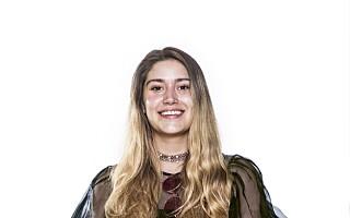 Image: Sara (23) ble ny: Gikk fra rocka stil til søte kjoler