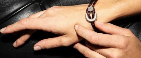 Image: Du gjetter ikke hva disse smykkene er laget av