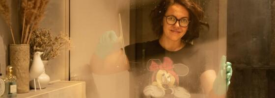 Image: Slik får du skinnende rene dusjdører