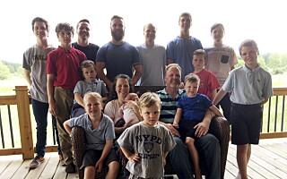 Image: Etter 14 sønner kom endelig en liten jente!