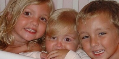 Image: Katie, Emma og Kyle døde i bilulykke – et halvt år senere skjedde det utrolige
