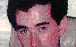 Image: Drepte og voldtok utkledd som Travolta