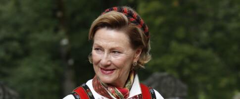 Image: Se dronning Sonjas imponerende bunadssamling: Én betyr noe helt spesielt