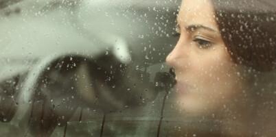 Image: Ny forskning: Dette kjennetegner kvinnelige stalkere