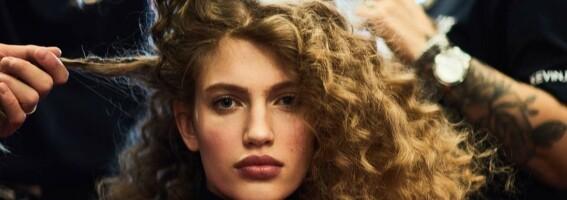 Image: Flatt hår? Balsamen din kan være årsaken!